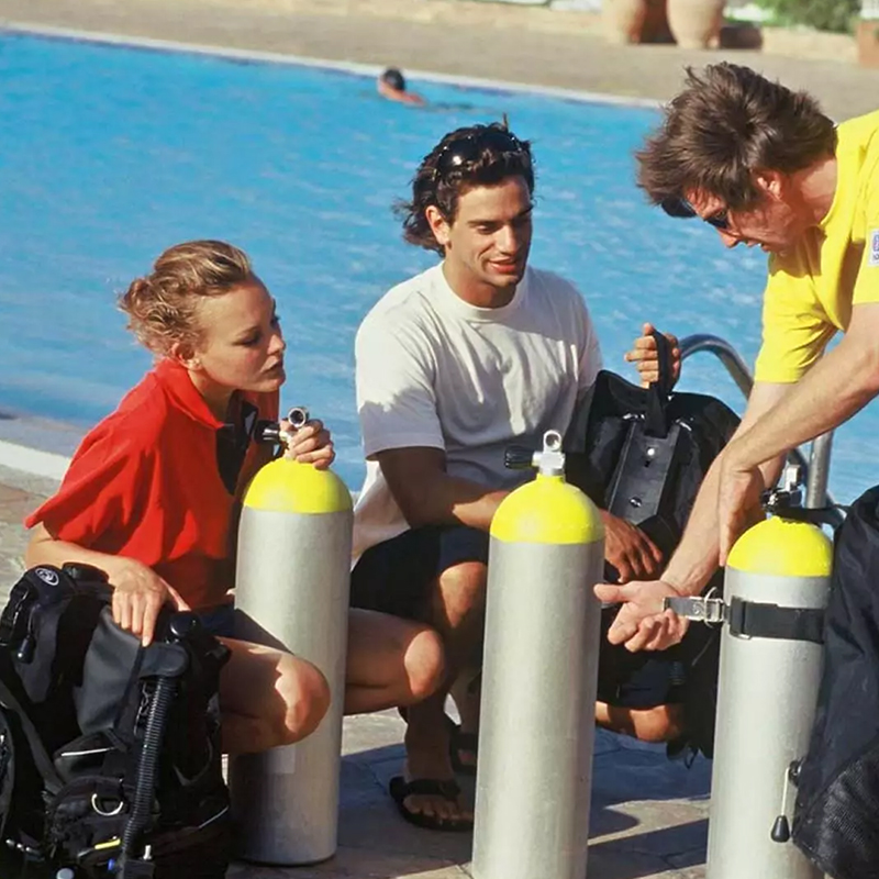 Dive with me - PADI Equipment Specialist